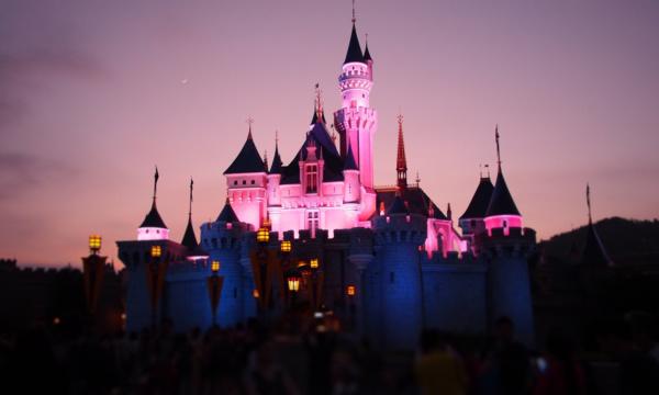 Disneyland-Hong-Kong-1500-x-1000
